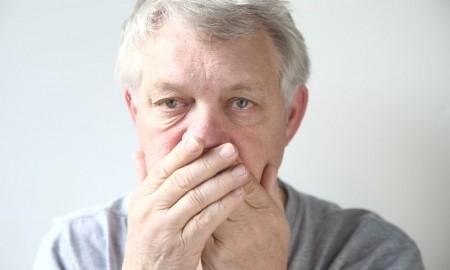 Homöopathisch Mundgeruch behandeln