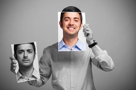 Mann mit Freude und Despression