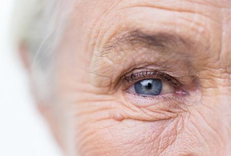 Muskelzuckungen am Auge