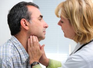 Untersuchung am Hals